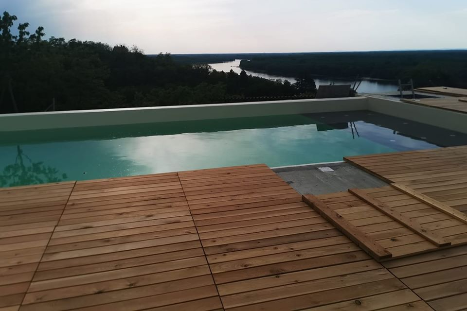 Decking kocke oko bazena